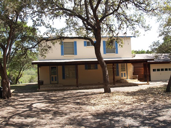 Frio Family Getaway Bluff House